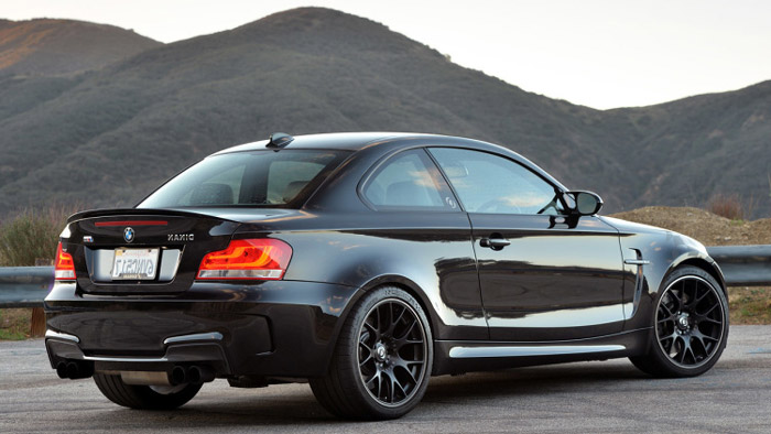 про автомобиль BMW 1M Coupe